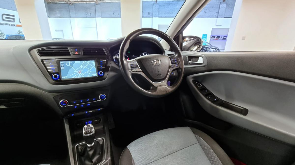 2015 HYUNDAI i20 1.4 CRDI PREMIUM SE MANUAL 90 HP - 2015 - £7,195