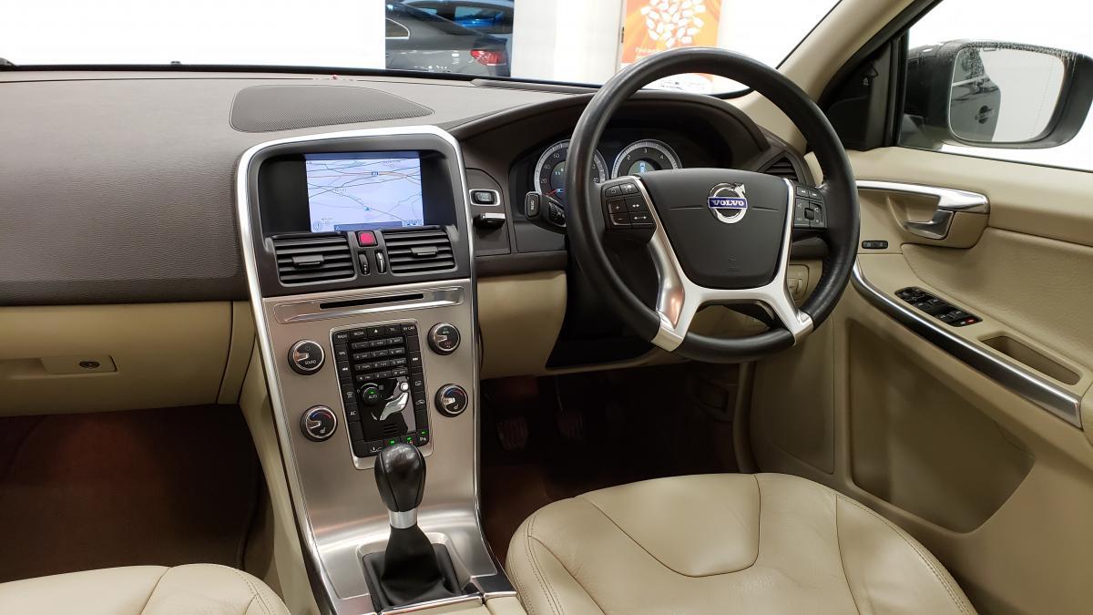 Volvo Xc60 D3 Drive Se estate - 2012 - £9,995