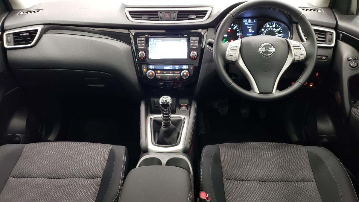 Nissan Qashqai Dci Acenta Premium 5 door hatchback - 2014 - £11,395