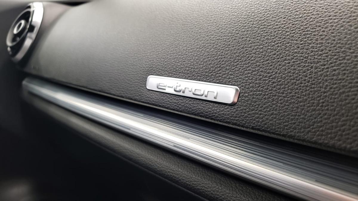2016 AUDI A3 E-TRON 1.4 TFSI 150 HP - 2016 - £13,750